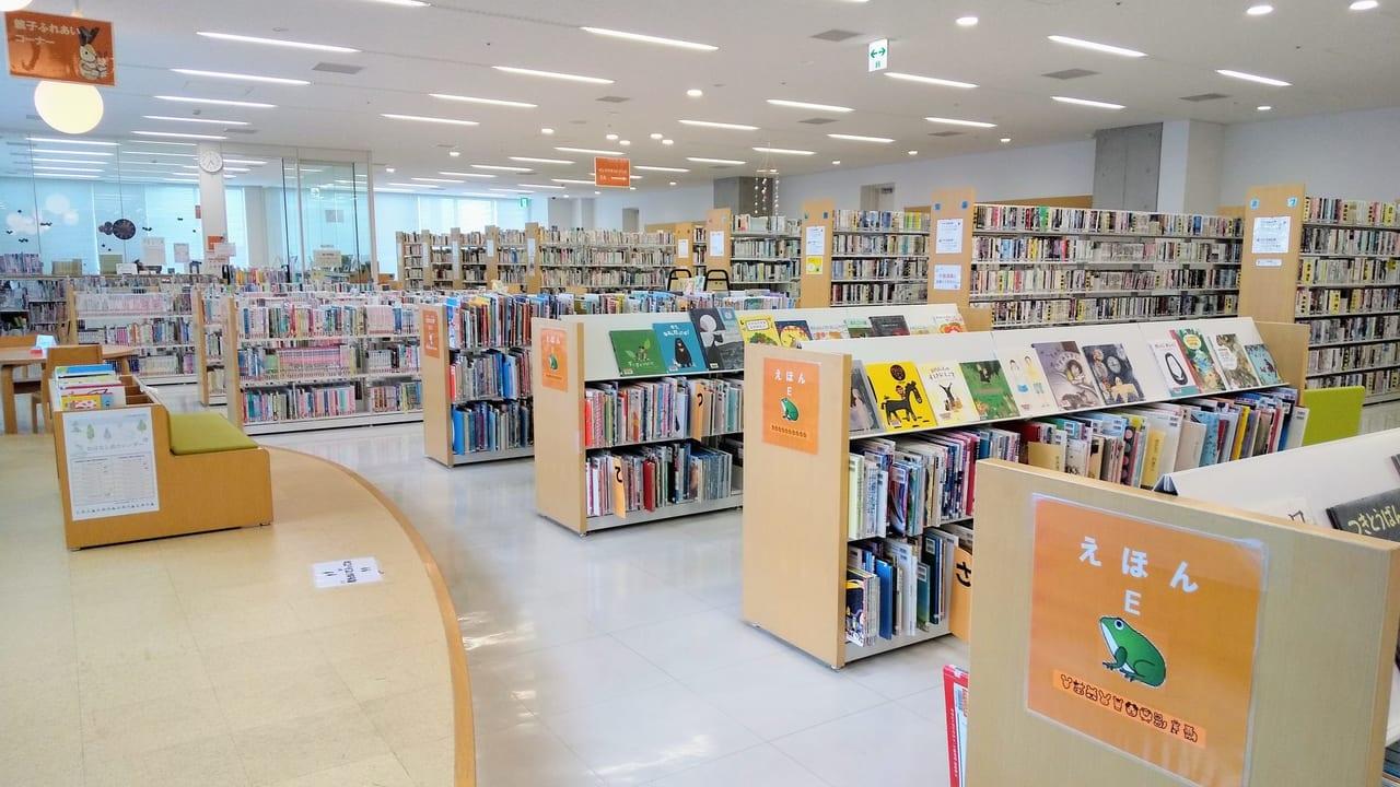 親子おはなし会が再開された渋谷図書館
