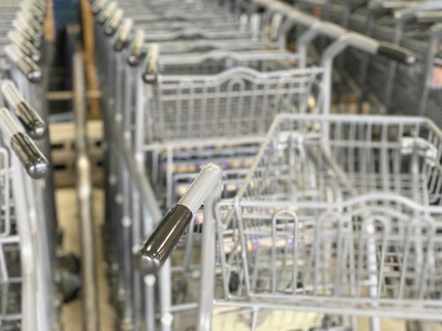 スーパーマーケットのカートイメージ画像